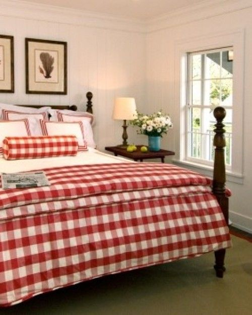 Gingham and four poster beds