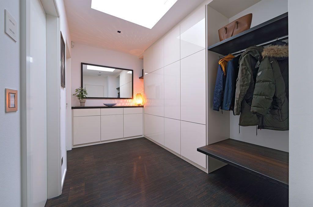 Garderobe Flur Modern In Weiss Lack Und Rauchereiche Ohne Griffe