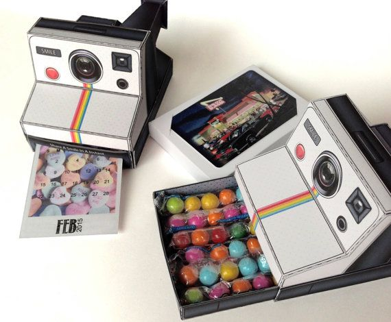 image relating to Camera Printable titled 3D Polaroid Digicam Printable Paper Table Calendar for your