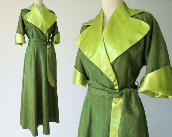 1940s Green Moire 2-tone Dressing Gown / Hollywood Regency Robe ...