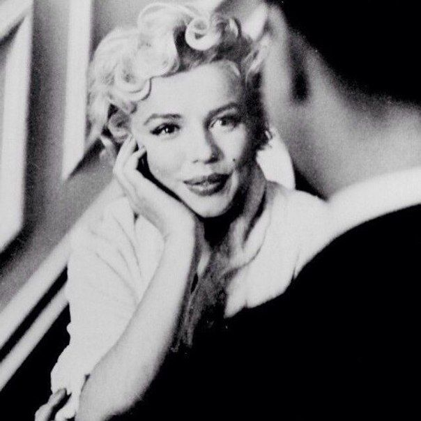 Marilyn Monroe   Marilyn monroe portrait, Marilyn monroe