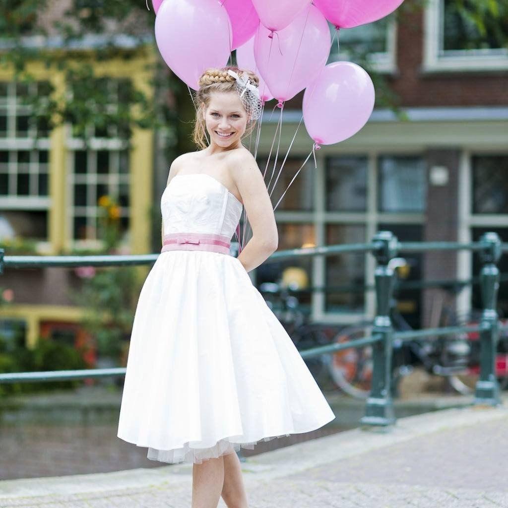 Anni- kurzes Hochzeitskleid trägerlos im 50er Jahre Stil | mogli ...