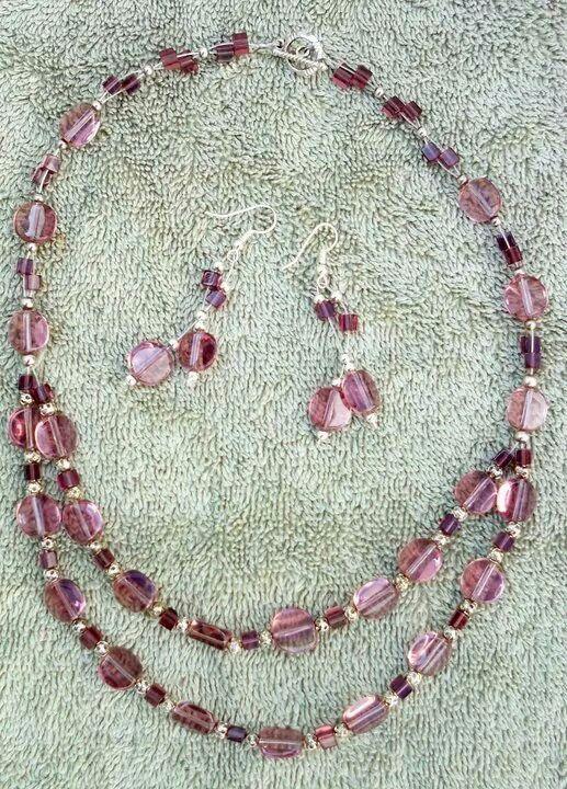 9618470af579 Gargantilla doble color palo de rosa con aretes...