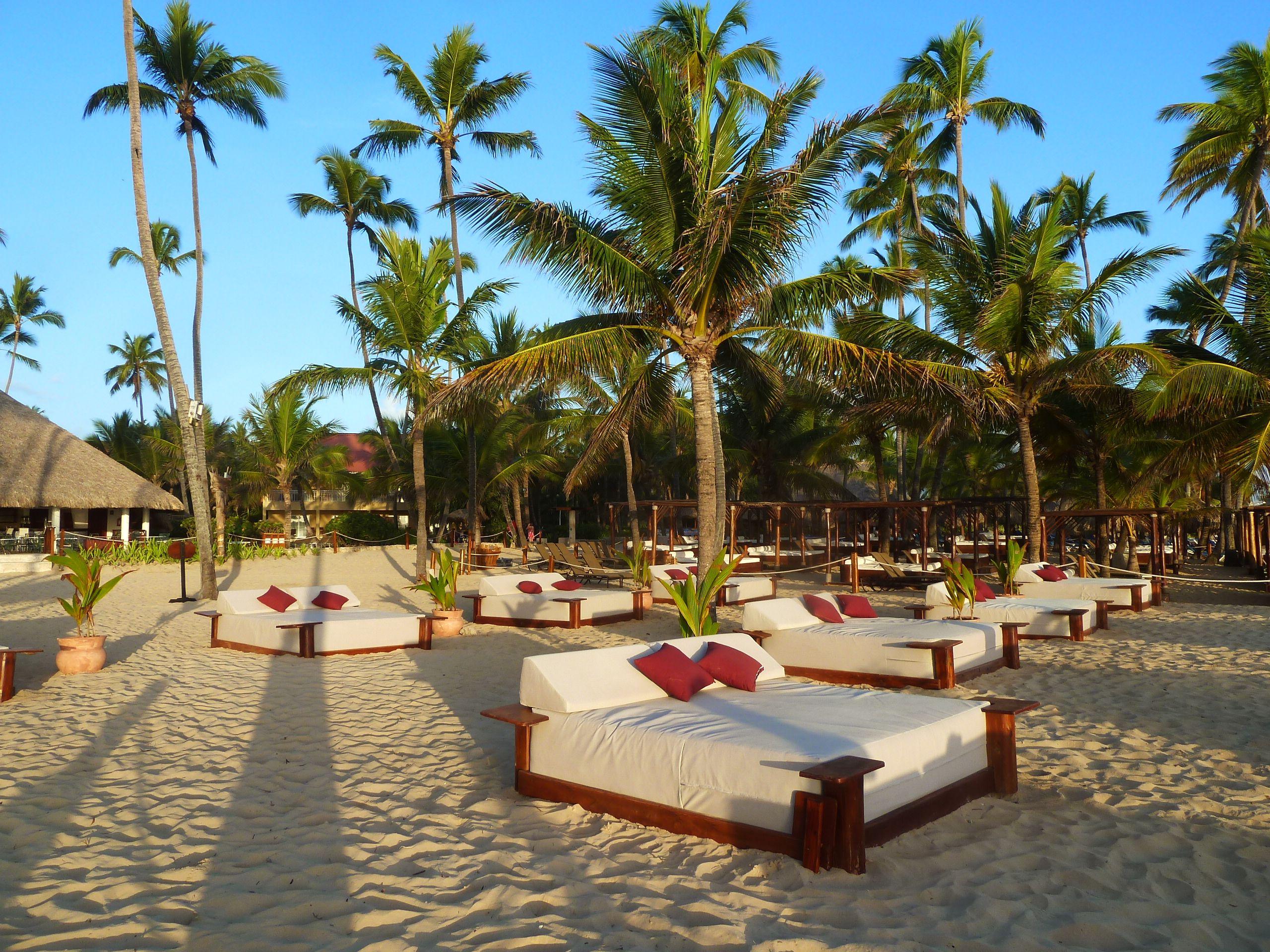 Preferred Club Beach Beds At Dreams Punta Cana