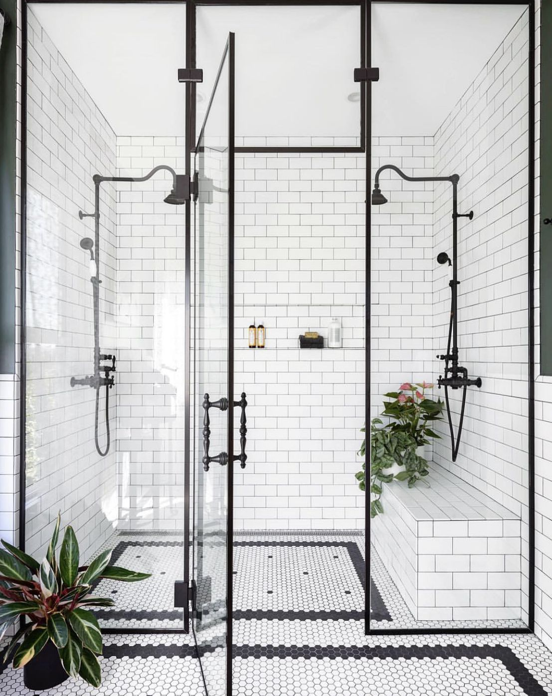 #glassshowerdoors #bathroom #blackandwhitebathroom #industrialdesign