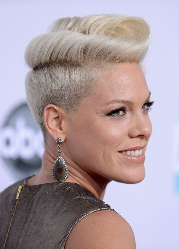 Short Pompadour Hairstyles For Women The Fashion Blog Frisuren
