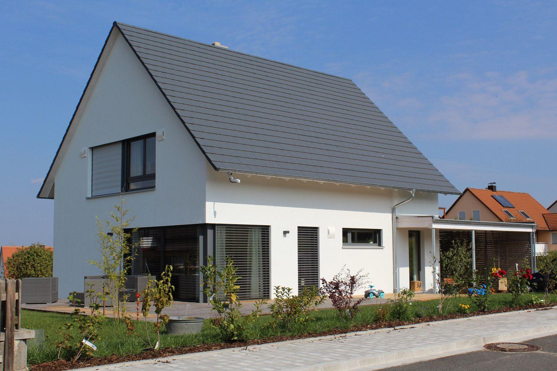 Moderne Fenster einfamilienhaus holzhaus satteldach modern carport modern eckfenster