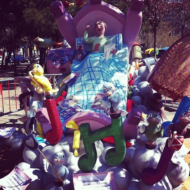 Falla en la plaza Albert Schweitzer - @gmolino | Webstagram