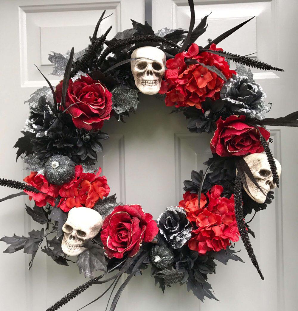 DIY Halloween Wreath Ideas to Enhance Your House Easily   Diy halloween  wreath, Halloween wreath, Spooky wreath