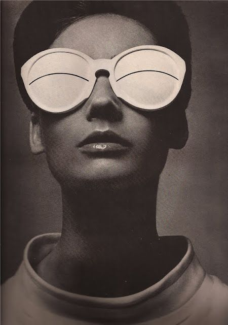Harper's Bazaar April 1965, glasses by Courrèges
