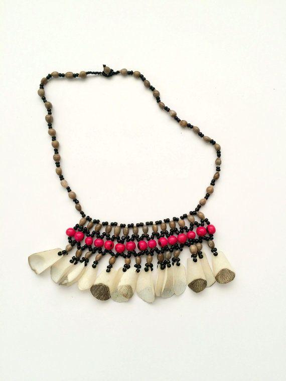 3e19f155083b Hecho a mano cáscaras peruano tribu Shipibo Conibo selva semillas collar  étnico