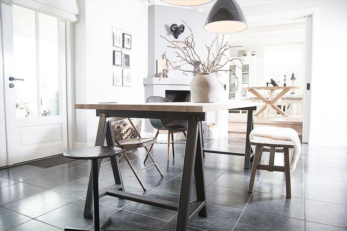Schragen tafel huren tafels stoelen bureaus