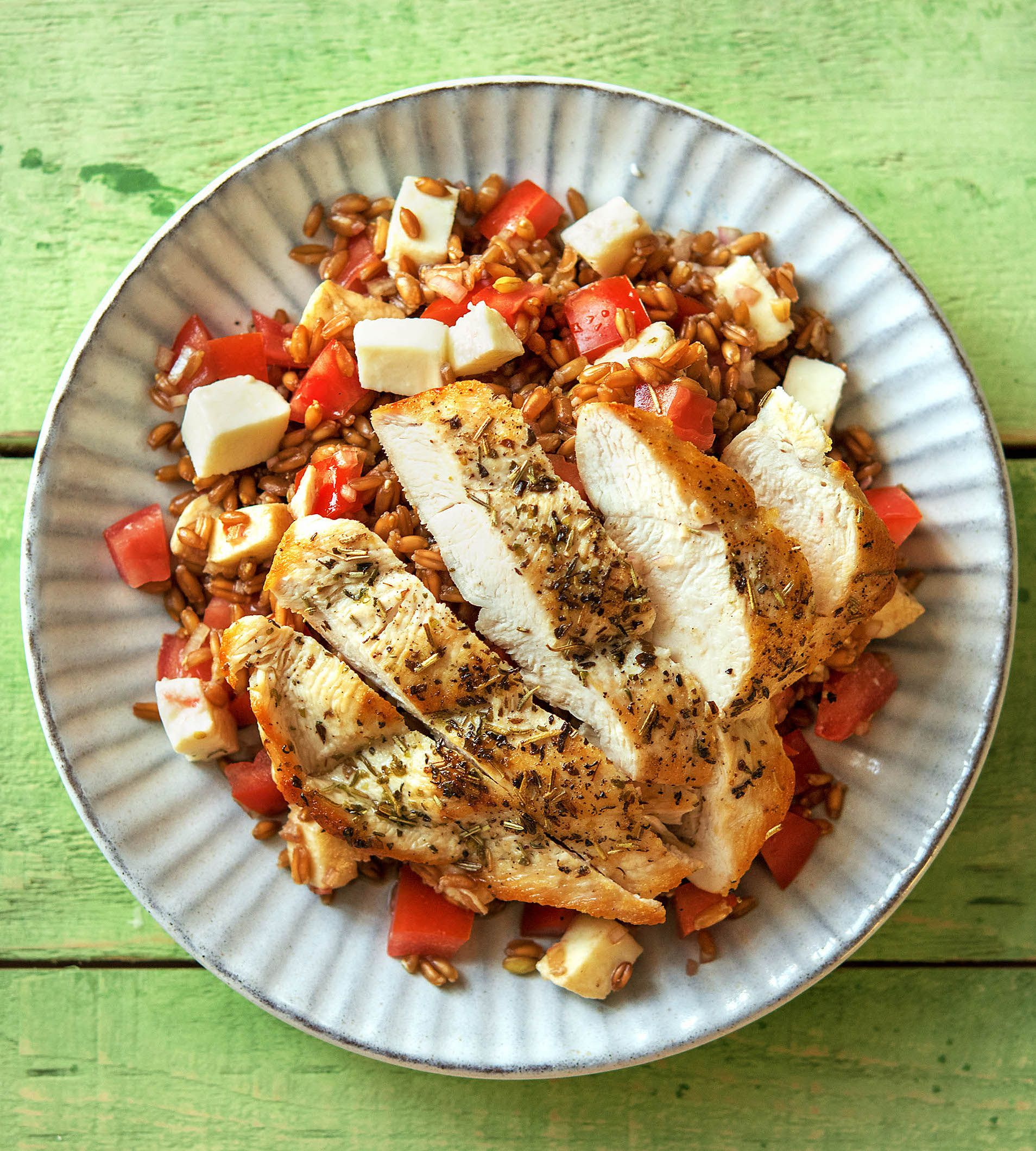 Herby pan seared chicken with farro tomatoes and fresh herby pan seared chicken with farro tomatoes and fresh mozzarella recipe herbes de provence dinner ideas and provence forumfinder Choice Image