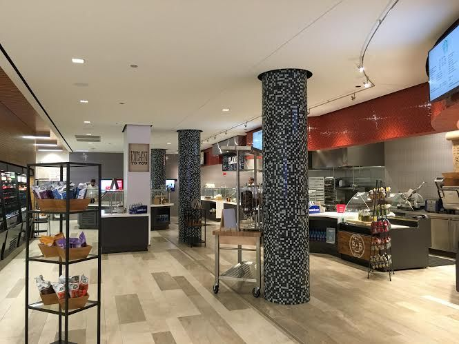Pine Street Kitchen in Chicago caters to those who work in the