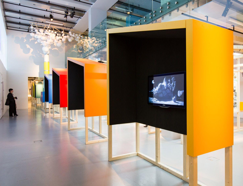 sc nographie de l 39 exposition motion factory inspirations pinterest conception sc nique la. Black Bedroom Furniture Sets. Home Design Ideas