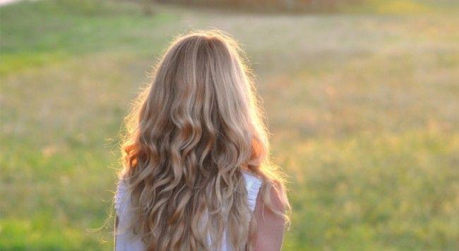 modelling, model, hair, curls flowers, spring, froileincouture, nachdenklichesbild