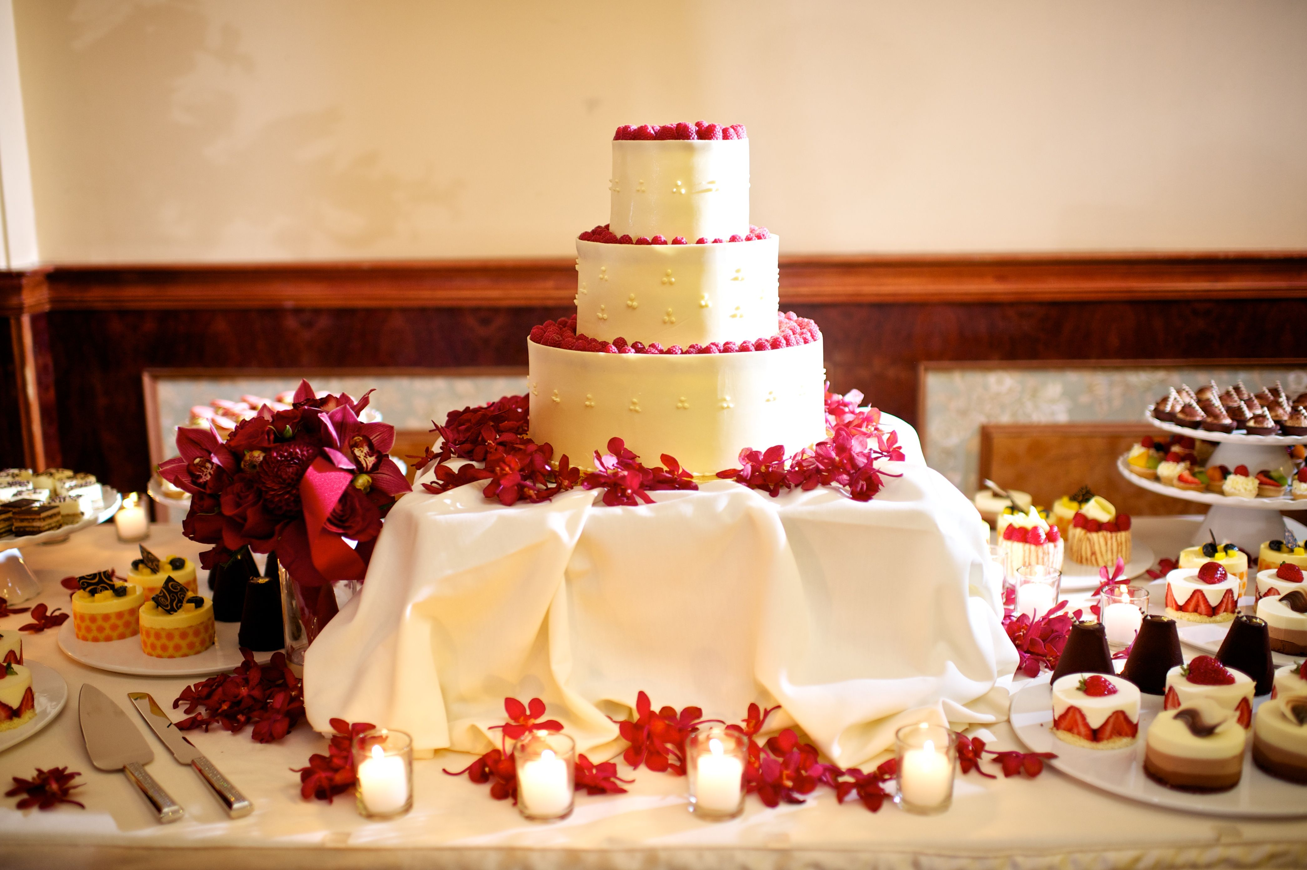 Three tiers Wedding cake with red accents I Floral Design by ...