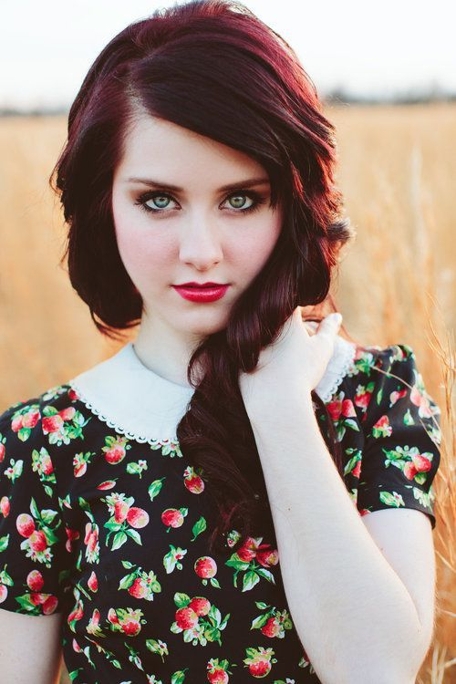 deep red hair..ummm love this i want red hair so bad..not natural looking like this! or ariel hair!!