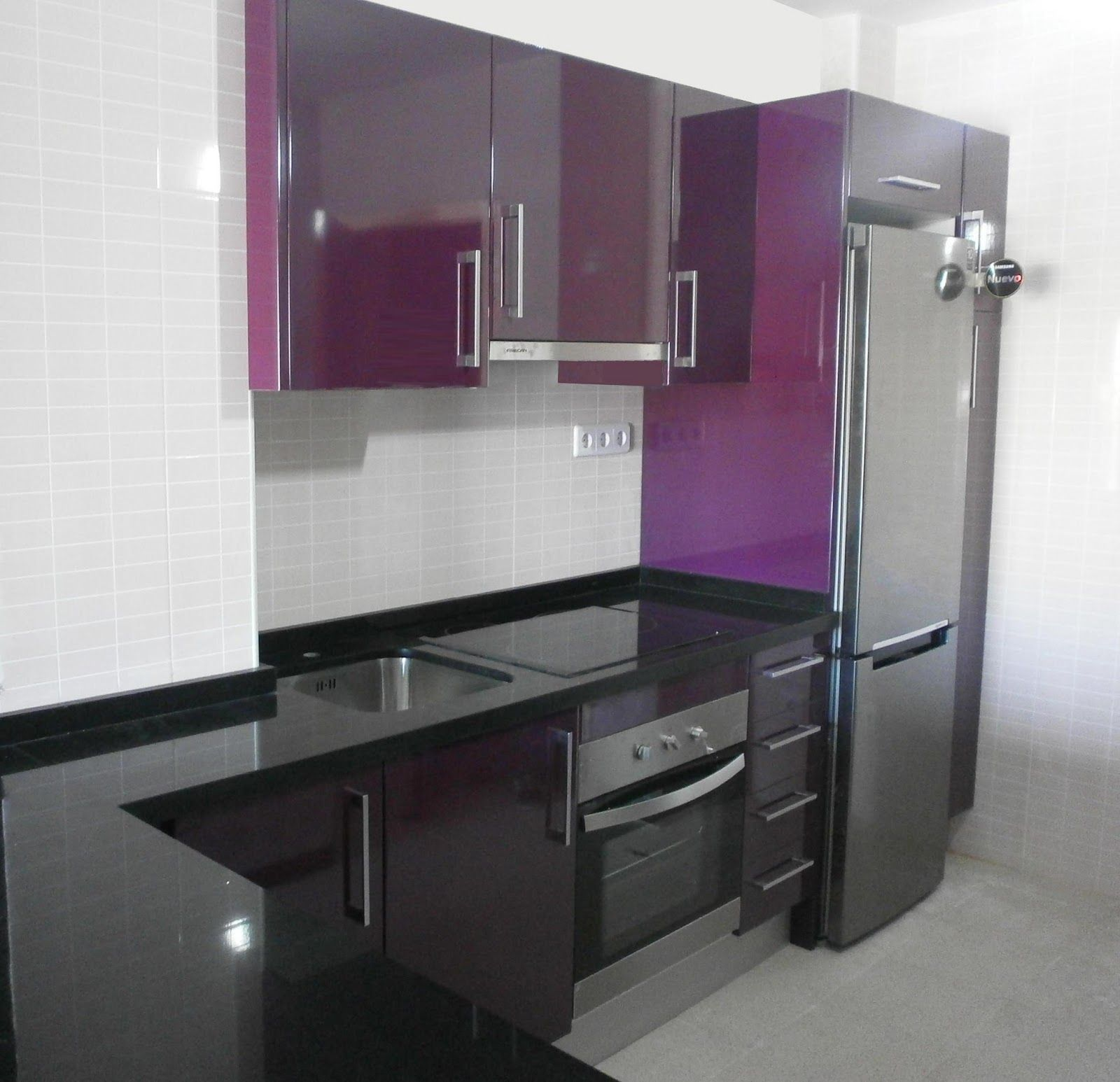 Mitad negro y mitad morada my house my dream pinterest for Cocinas moradas modernas