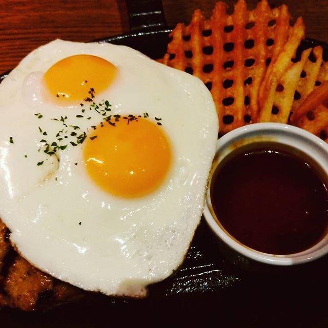 #steak&cafebydexeedinner #青海 #ヴィーナスフォート #venusfort #ロコモココンボ #ロコモコ #ハンバーグ #目玉焼き #ポテト #晩御飯 #ディナー #dinner #肉 #肉料理