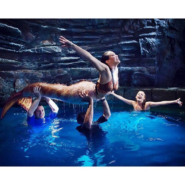 Mako mermaids behind the scenes with allie and isabel mako mermaids mermaid mako mermaids - Image de sirene h2o ...