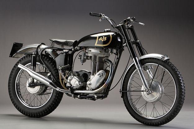 25 photos de motos anciennes moto pinterest motos anciennes moto et moto classique. Black Bedroom Furniture Sets. Home Design Ideas