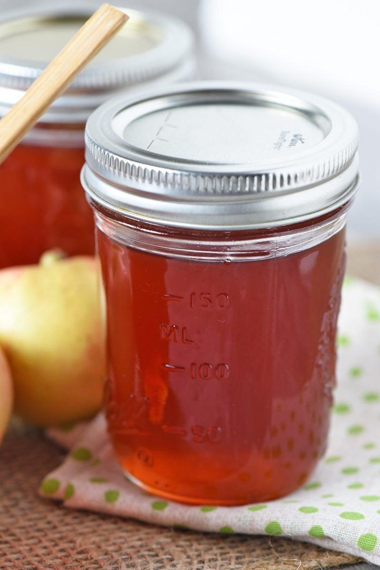 How To Make Homemade Apple Jelly With Just 3 Ingredients Easy Canning Recipe With No Pectin Added And It Apple Jelly Apple Juice Jelly Recipe Homemade Apple
