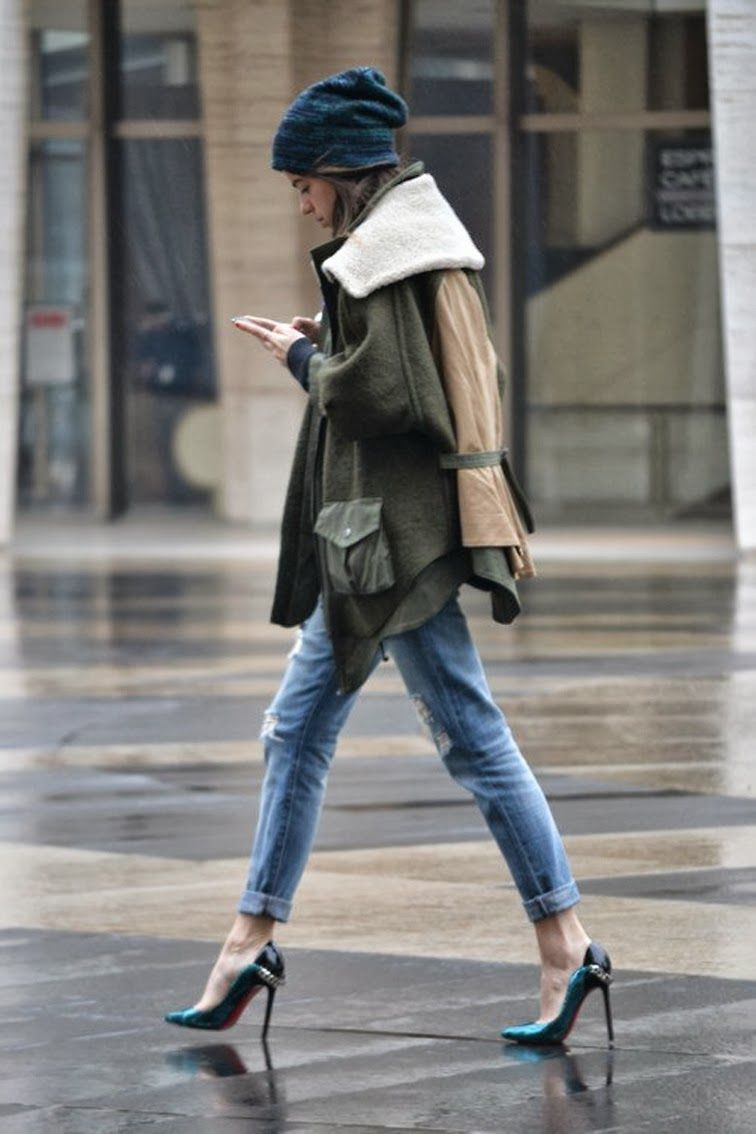 parka + ripped jeans + green pumps