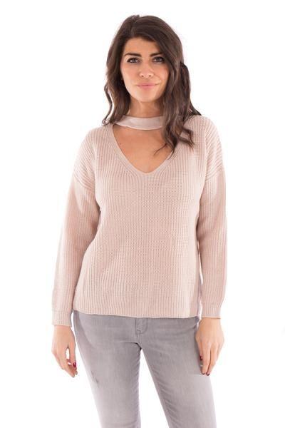 CHOKER SWEATER #choker #sweater #blush #pink #sweater #fashion #style #fashiontrends #newtrends #ss17 #ootd #newarrivals