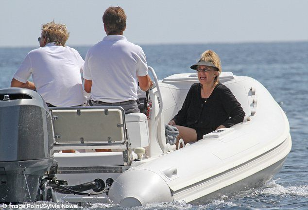 Streisand+Israel | Barbra Streisand relaxes on the beach in Mallorca after trip to Israel