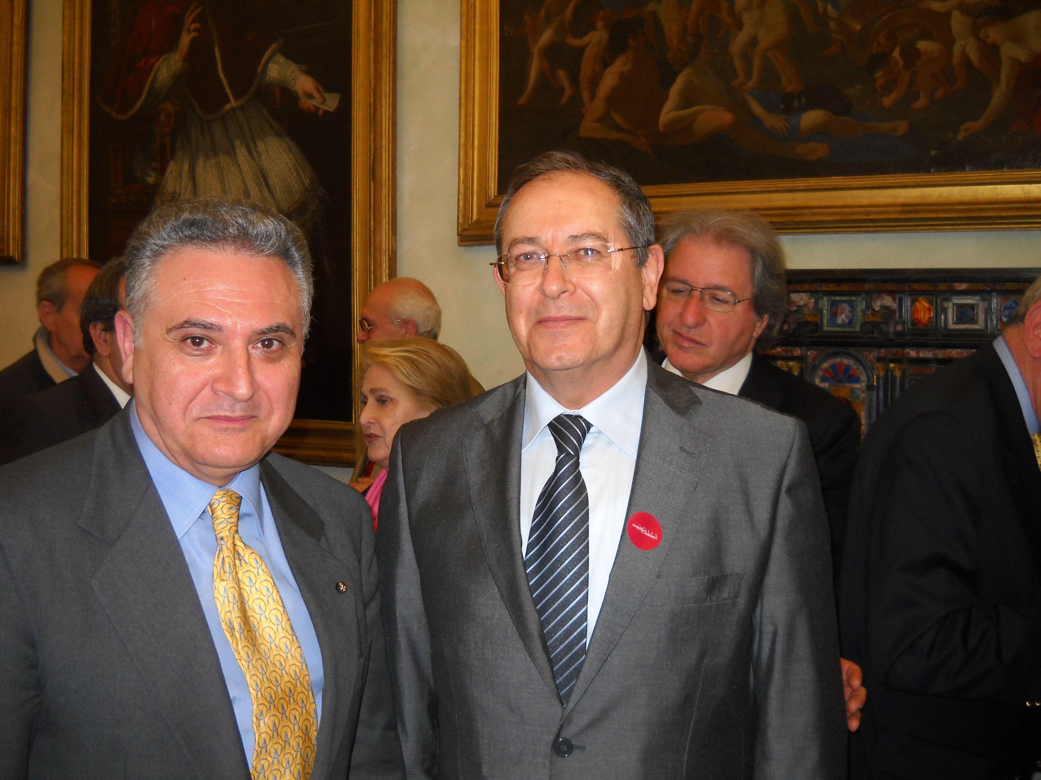 Il Prof Cav Raimondo VILLANO e il Sottosegretario al Ministero della Salute Paolo FADDA Roma Ministero della Salute 19 luglio 2013