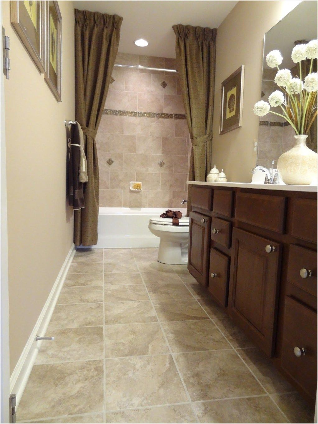 15+ Awesome Bathroom Remodel Neutral Ideas | Long narrow ...