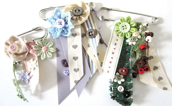 Kilt pin &, ribbon flowers & buttons brooches