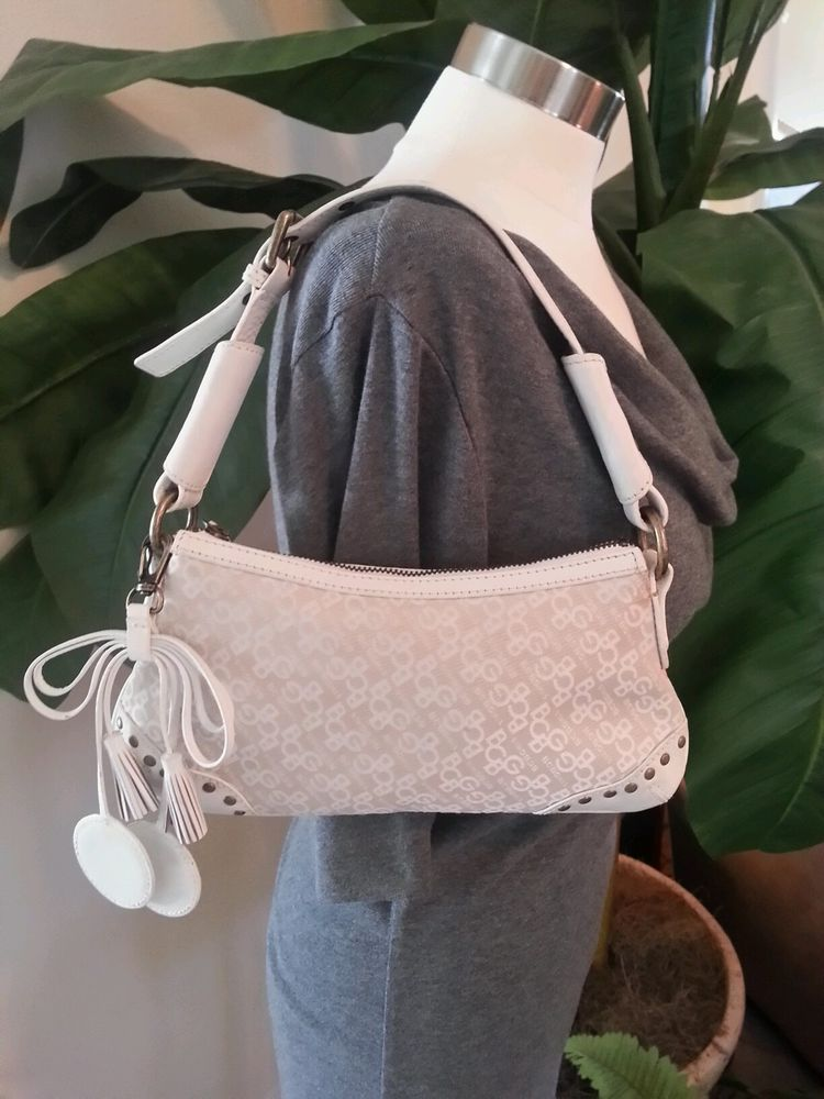 166adf24a8 BCBG Girls White Cream signature Pouchette Leather trim Bag Purse Ladies  EUC  BCBGMAXAZRIA  Baguette