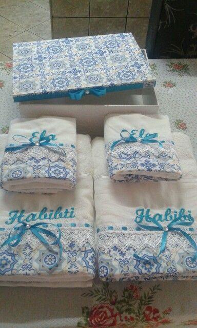 Caixa para os noivos com toalhas!