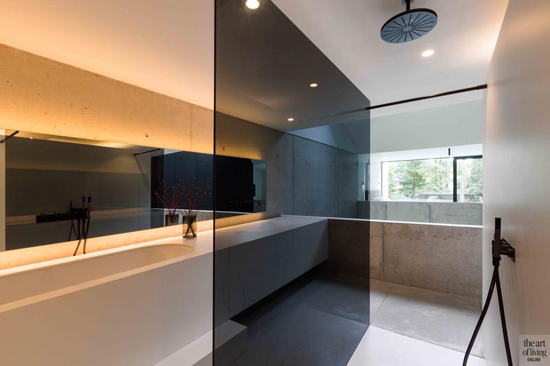 Badkamer Sanitair Brugge : Halfopen woning badkamer badkamer wastafel en