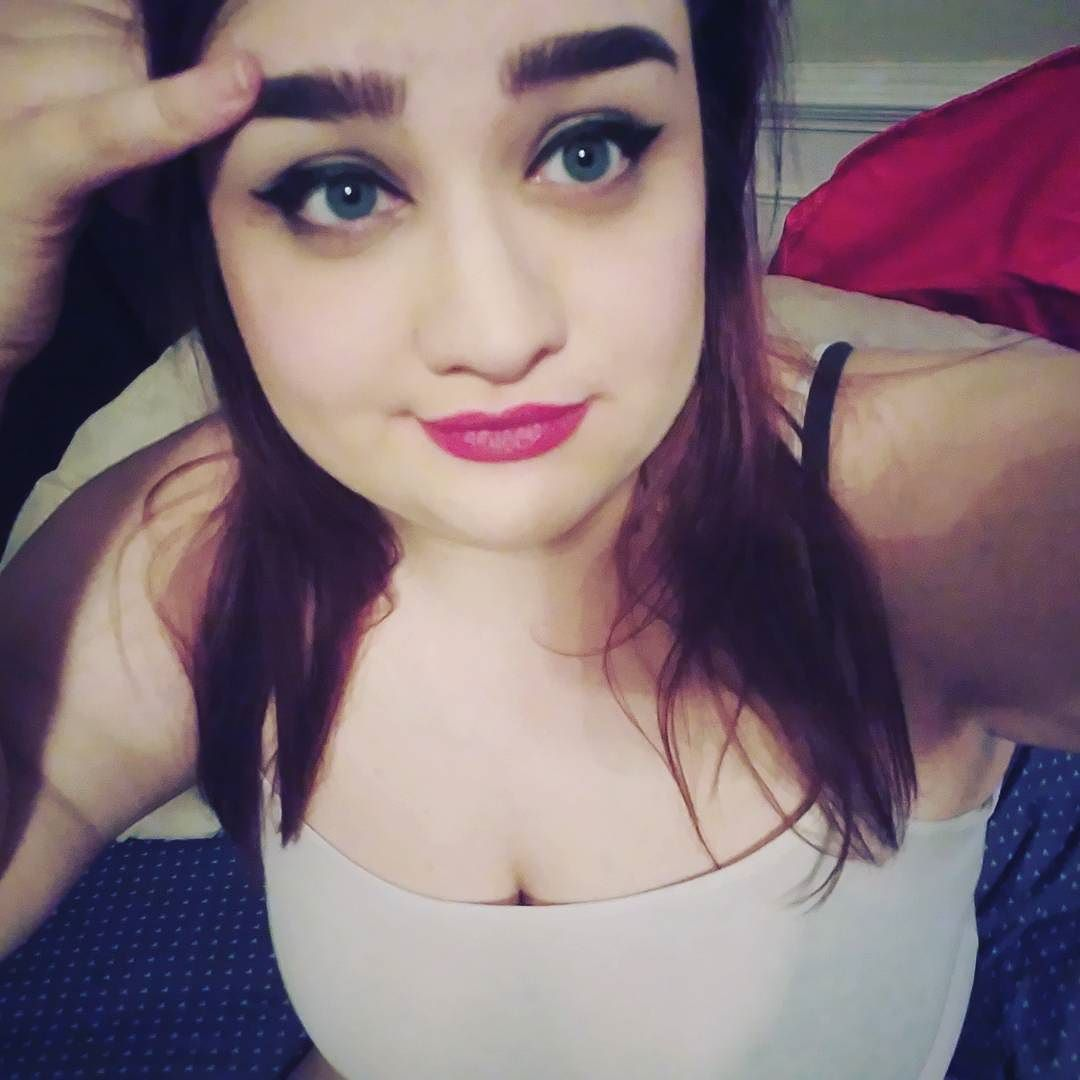 #makeup #makeupfun #makeupartist #eyeliner #lipstick #makeuptest #cosmetics #cosplayer #cosplaymakeup #hardcandycosmetics #purcosmetics #ipsy #ipsyglambag #cute #pretty #blueeyes #brunette