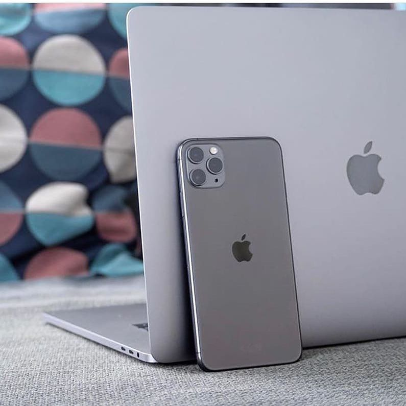 Who Would Lose Their Phone If They Left It Here Iphone 11 Pro Space Grey Credit Icefnews Apple Iphone Accessories Iphone Apple Phone