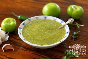 How to Make Spicy Green Tomatillo Sauce / Salsa Verde Picante #easymexicanfoodrecipes
