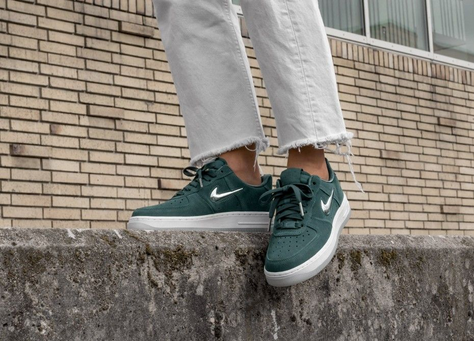 new arrival 2610d 40940 Nike Wmns Air Force 1 '07 PRM LX (Faded Spruce / Metallic Silver ...