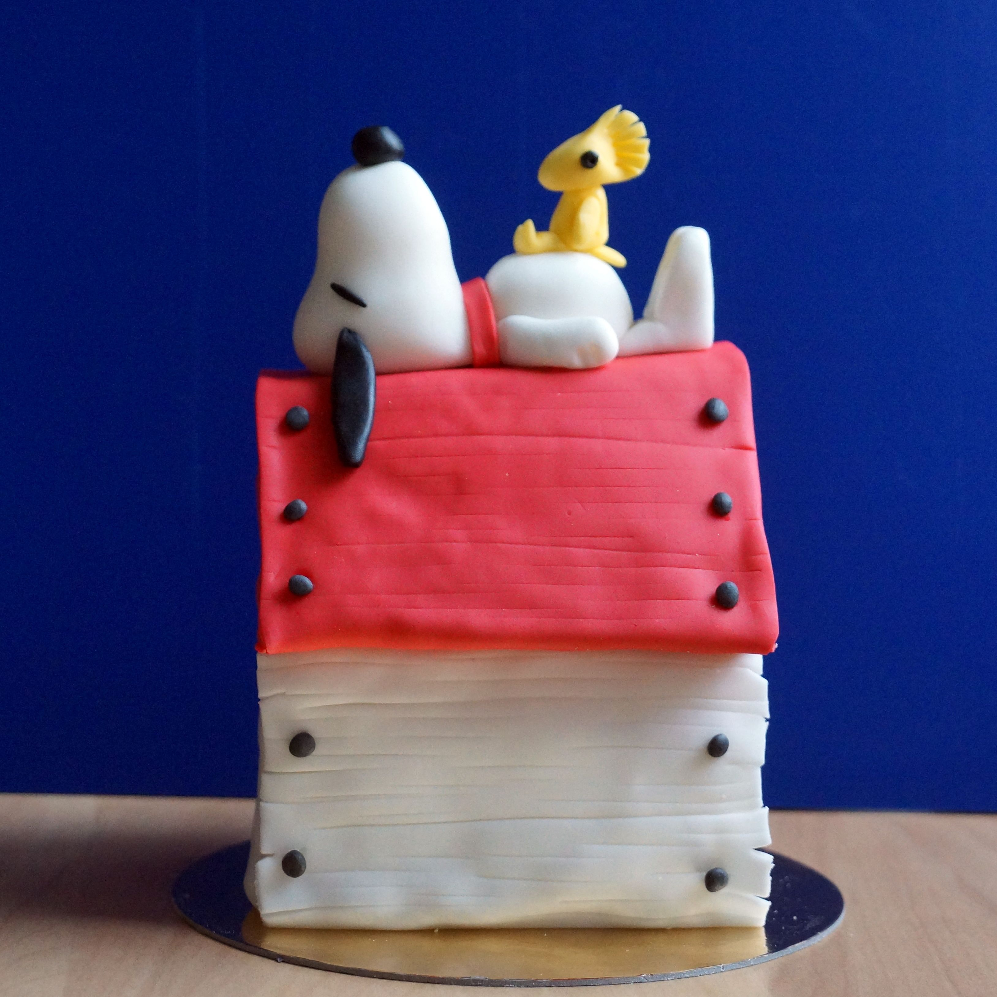 Snoopy hok met fondant figuur