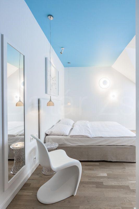 Minimalist Hotel Room: Minimalist Room Image By Tsengwabeka Nicole On Bedroom