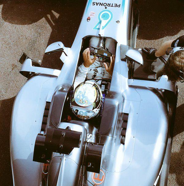 """MERCEDES AMG F1 en Twitter: """"NEW HELMET ALERT!!! #F1 #MonacoGP https://t.co/UrKrWGKM9K"""""""