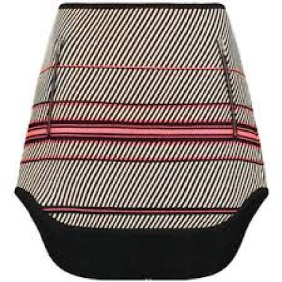 Rag and Bone Mini Skirt Rag and Bone white and black multi stripe bess mini skirt. Skirt is easy to wear day and night. Silver tone zippered pockets at face front. Asymmetrical shirttail hem falls longer at back face. Rag and Bone Skirts Mini