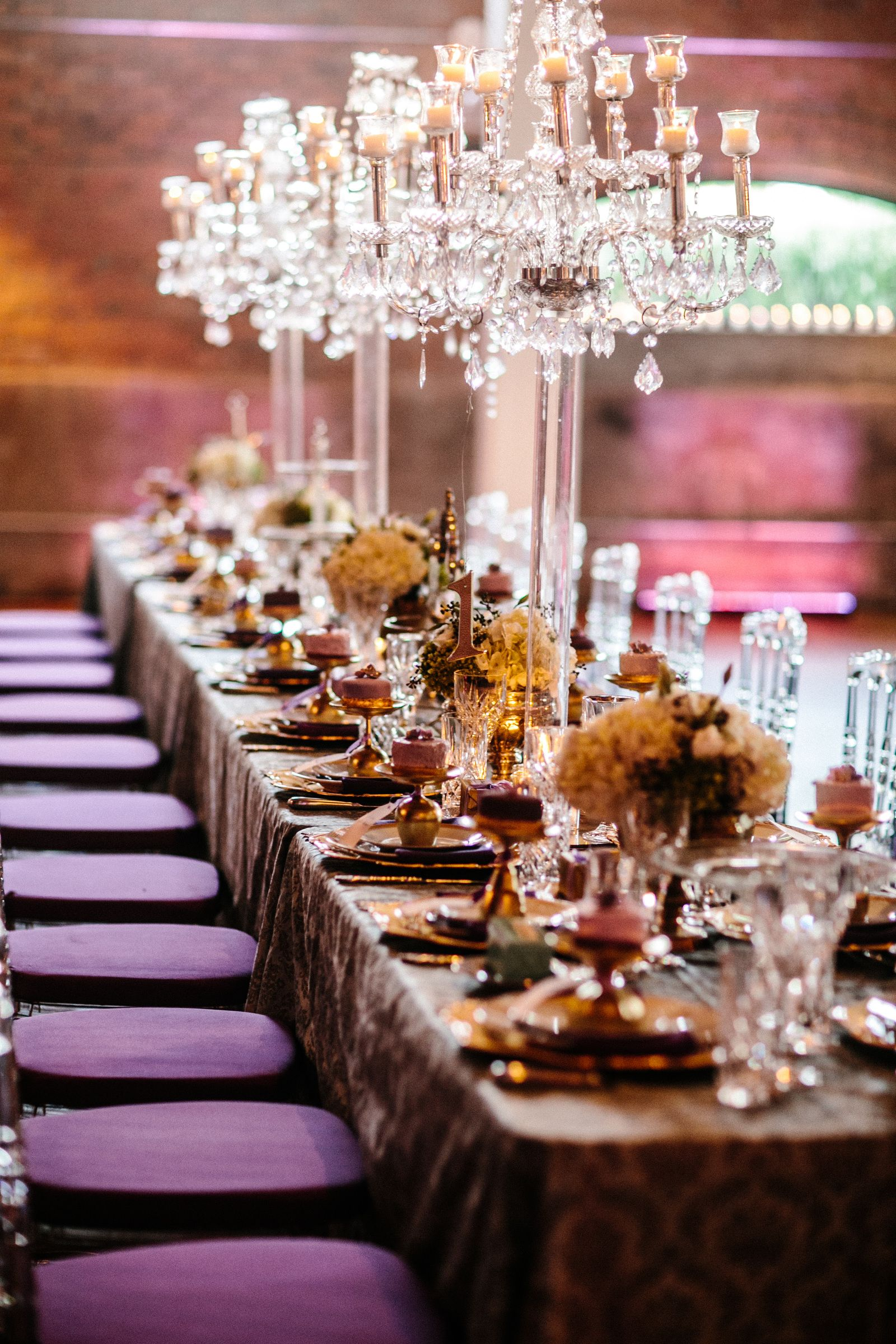 I like these big chandelier lamp things for the head table | Wedding ...