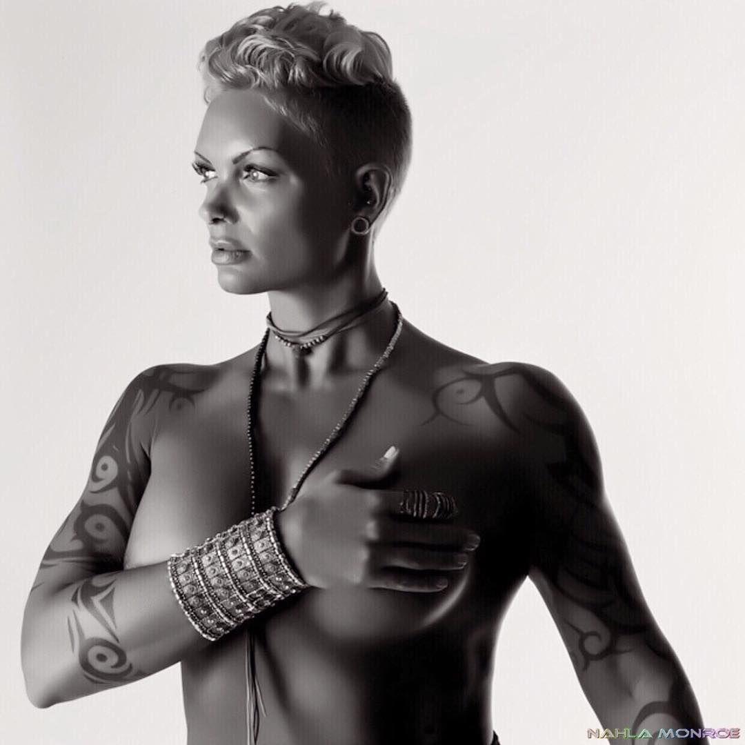 Instagram Nahla R. Monroe nude (42 photos), Sexy, Cleavage, Instagram, panties 2006