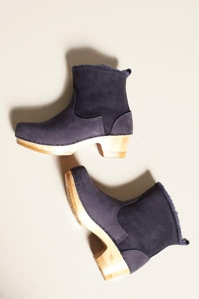 "5"" Pull on Shearling Boot on Mid Heel in Navy Suede"