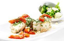 Tranches de Pescada com Molho de Tomate - Consultem esta deliciosa receita e ajudem-me a ganhar um Tablet na Promoção Poupar e Ganhar, só com a Pescanova.