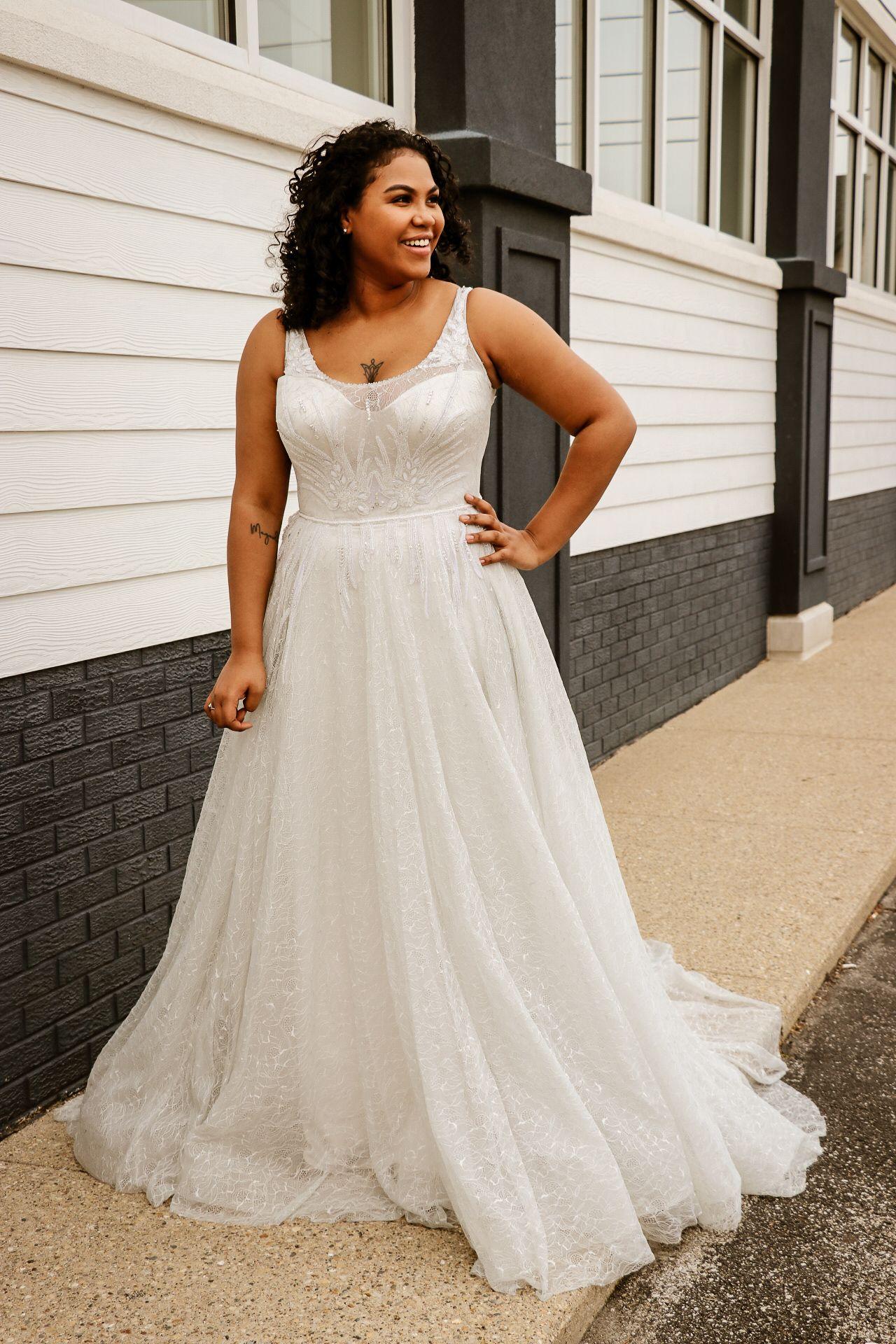 white wedding dress backless wedding dress long