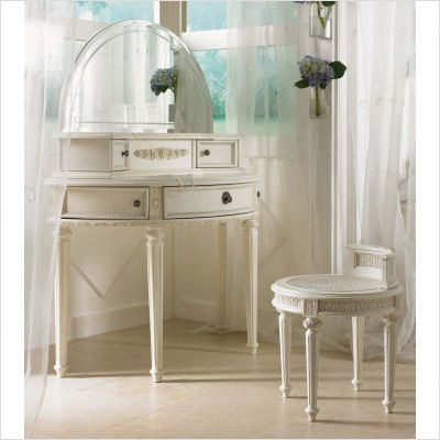 Superior How To Use Small Bedroom Vanity